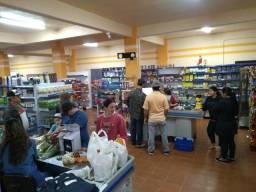 Vende-se super fred supermercado aceitamos imoveis ou chacara