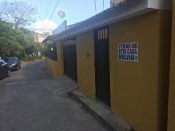 Casa bem localizada em Moreno