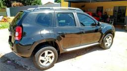 Renault Duster 4x2 com multimídia - 2014