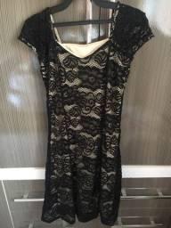 Vestido longuete preto rendado