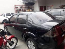 Fiesta sedan 1.6Flex completo