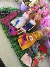 Kit Barbies c/ acessórios