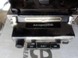Rádio auto-reverse da Mitsubishi antigo