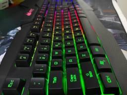 Teclado gamer RGB kp-2041