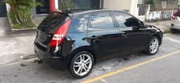 Hyundai i30 2011 top