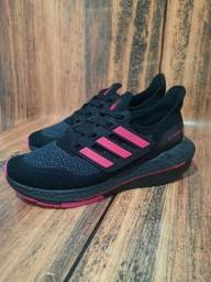 Título do anúncio: Tênis Adidas Ultra Boost 1° Linha Preto/Pink