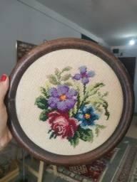Título do anúncio: Quadro antigo redondo flores