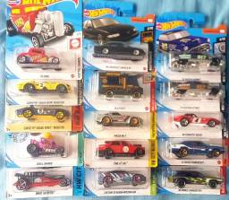 Hot wheels a R$15