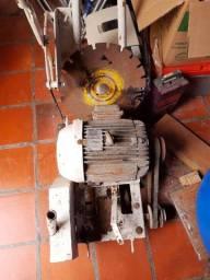 Máquina de cortar concreto