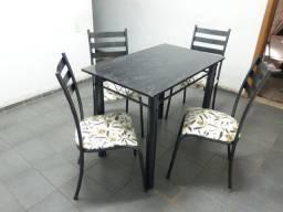 Mesa quatro cadeiras barata