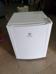 Frigobar electrolux 80 Litros