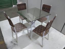 Mesa quatro cadeira barata