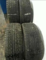 Pneus 245/65/17 Pirelli