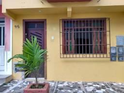 Alugo casa mensal contrato de 1 ano no centro de Ilheus