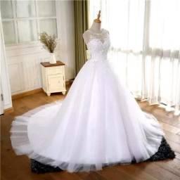Vestido De Noiva Estilo Princesa Importado (véu de brinde)