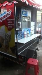 Máquina de sorvete com carretinha