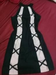 Dois vestidos por 50,00