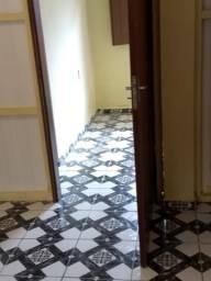 Apto de 1 qto sala cozinha americana área de serv e banheiro