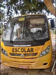 Micro ônibus neobus motor MWM 2006 aceito troca carro pequeno e afins