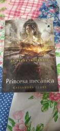 """4 Livros """" Incendeia - me"""", """"Princesa Mecânica"""", """"Um dia em dezembro"""" e """"Algo Maravilhoso"""""""