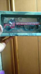 Caminhão colecionáveis 143