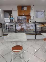 Vende - se uma padaria funcionando