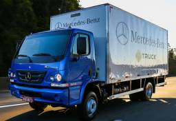 Título do anúncio: Caminhão baú azul da MUDANÇA