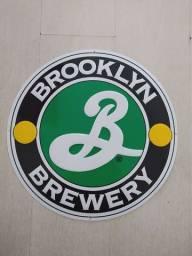 Título do anúncio: Placa Metálica Importada da Cervejaria Brooklyn