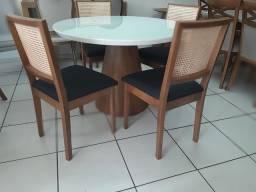 Imperdivel-Mesa redonda +4  cadeiras telinha