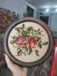 Título do anúncio: Quadro redondo antigo flores