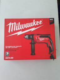 "Furadeira Milwaukee 680 wats 1/2"" 220 volts"