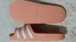 Título do anúncio: Sandália Adidas nova