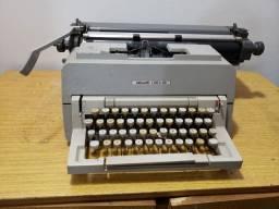 Título do anúncio: Máquina de Ecrever Olivetti Linea 98