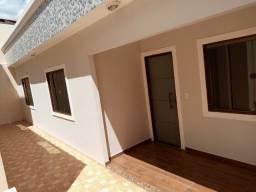 C129 - Casa novinha, linda, com dois dormitórios.