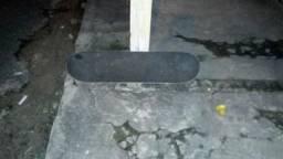 Vendo este skate para vende agora 200 para agora 150