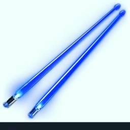 Vendo Baquetas de LED importadas cor azul e vermelha