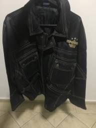 Linda jaqueta bordada de couro