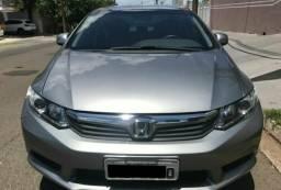 Honda civic veículo muito novo - 2013