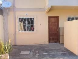 Alugo: Apartamento térreo c/ 02 qtos, Rio das Ostras/RJ