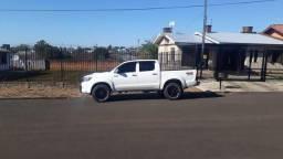 Toyota Hilux srv automatica - 2014