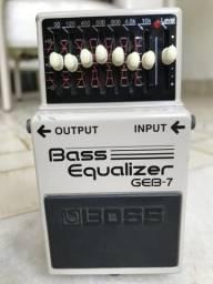 Pedal equalizador para contrabaixo
