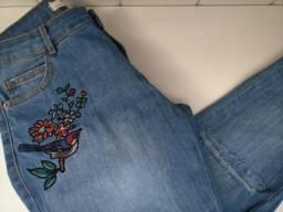 Calça Jeans com bordado (tamanho 38)