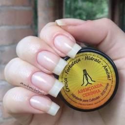 Já hidratou suas unhas hoje?