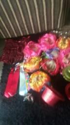 28 pessas peruca,chapeu,cravata,roupa de carnaval