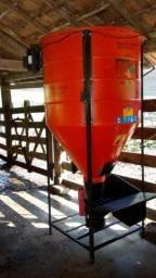 Misturador de ração MFW 500 kg Plus