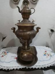 Samovar trazido do Iraque em 1981 relíquia.