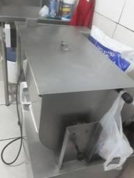Vendo um misturador de carnê