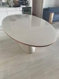 Título do anúncio: Mesa de jantar em laca oval
