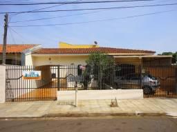 Casa para alugar com 3 dormitórios em Jd liberdade, Maringá cod: *46