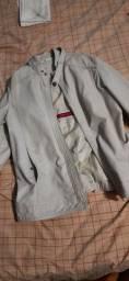 Jaqueta pouca usada, tamanho M descascando